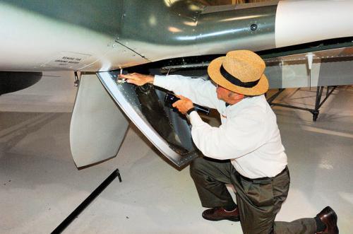 Roush-Aviation-Hanger-Services-4